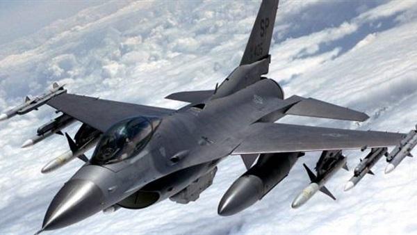 """مقاتلة روسية """"تعترض"""" طائرة تجسس أميركية"""
