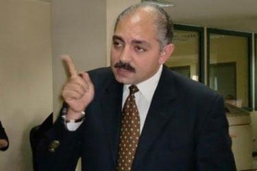 """العامرى فاروق لـ""""محمود طاهر"""": """"أنت فهمت الأهلى غلط"""""""