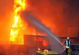 حريق هائل بمصنع بويات في أكتوبر