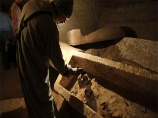 اكتشاف مقبرة فرعونية بقنا