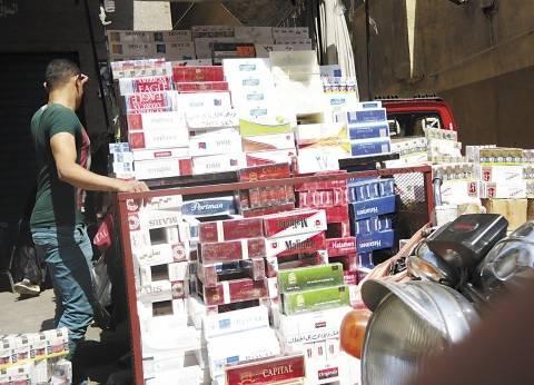 الدولار يسبب أزمة السجائر في مصر