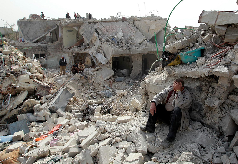 مقتل 8 وإصابة 80 في غارات روسية على إدلب