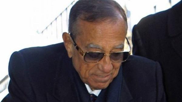 النيابة تقدم مستندًا بعدم جواز التصالح مع حسين سالم