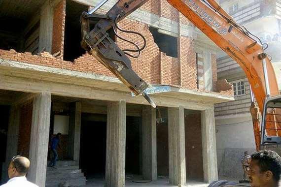 وقف البناء المخالف ب6 عقارات بالإسكندريه