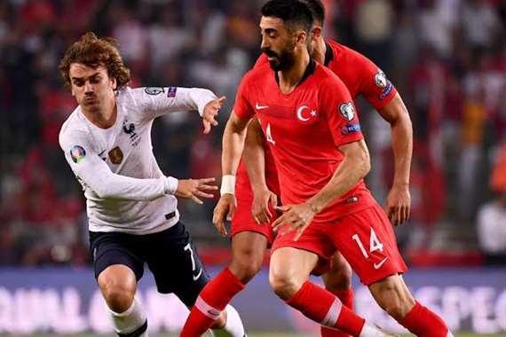 فرنسا وتركيا