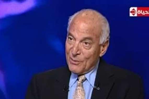 لدكتور فاروق الباز