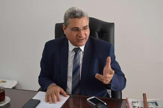 الدكتور أحمد زارع