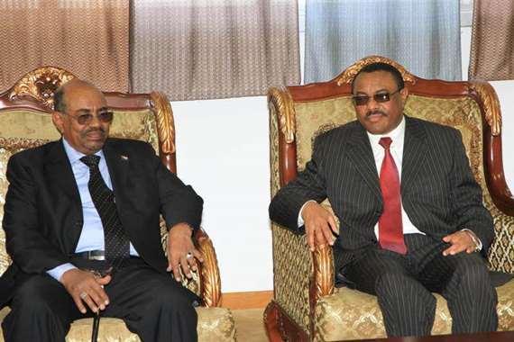 الرئيس السوداني عمر البشير ورئيس وزراء إثيوبيا ديسالين
