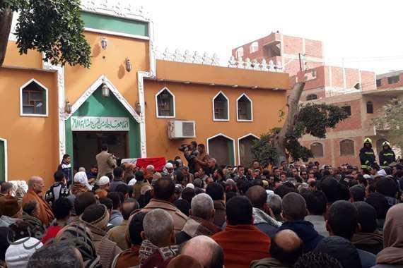 المئات في جنازة شهيد كنيسة مدينة نصر