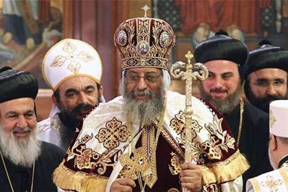 البابا تواضروس يمسك بعصا الرعاية