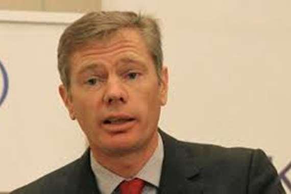 التليفزيون الإيراني يعلن مغادرة السفير البريطاني للبلاد