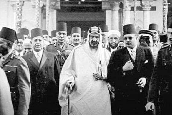 الملك فاروق والملك عبد العزيز في صلاة الجمعة بالأزهر