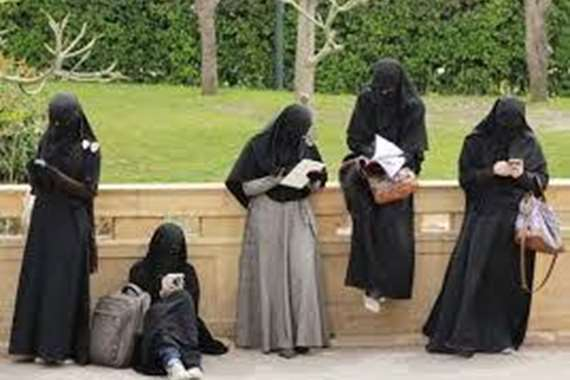 حكم نهائي ببطلان قرار منع طالبات ثانوي من ارتداء النقاب