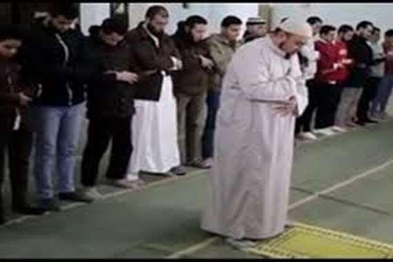 وفاة إمام مسجد في صلاة الفجر