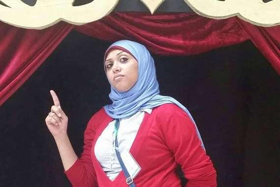 الصحفية رحاب بدر