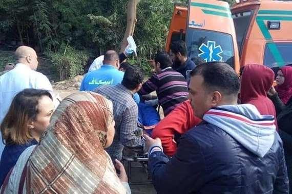سقوط سور مدرسة منارة الشرق الخاصة المرج على طلاب المدرسة