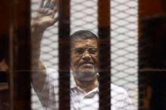 قيادي إخواني لمؤيدي مرسي: الصمود مش بالسجون