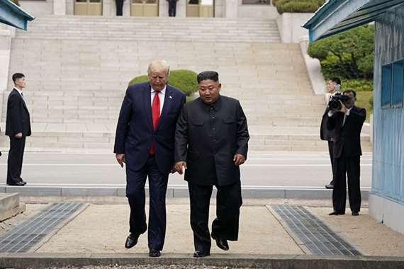 الرئيس الامريكي ورئيس كويا الشمالية