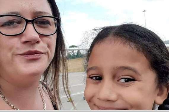 ابنة الـ 6سنوات تنقذ والدتها من الموت بعد إصابتها بسكتة دماغية