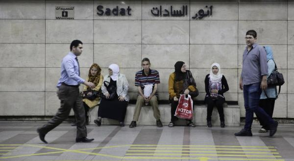 """""""المترو"""" يعيد فتح محطة """"السادات"""""""