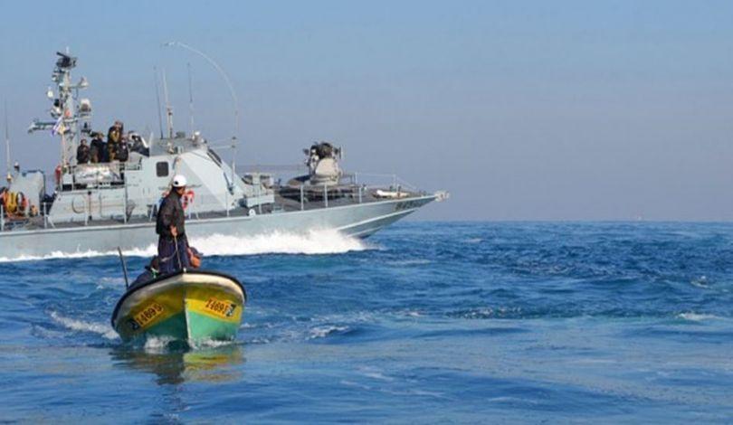إصابة صياد في بحر غزة برصاص الاحتلال