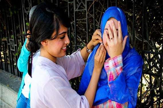 خلع الحجاب (أرشيفية)