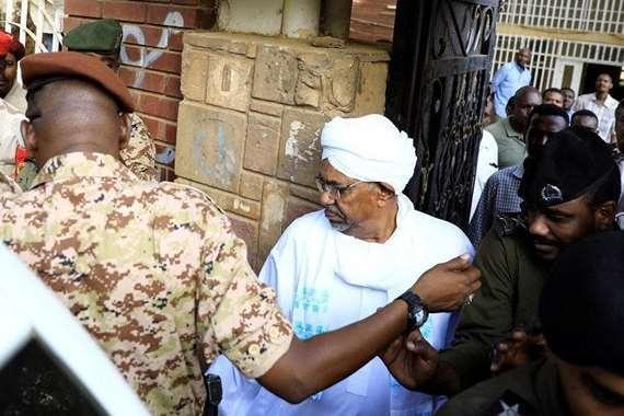 عمر البشير الرئيس السوداني السابق