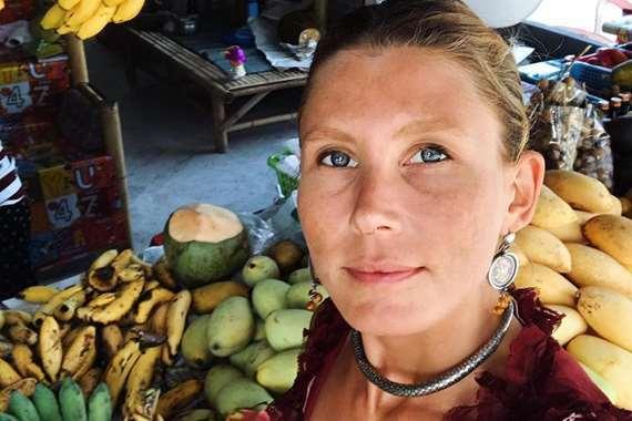 """معلمة اليوجا ومدربة التغذية الاندونيسية"""" صوفيا باتريك"""""""