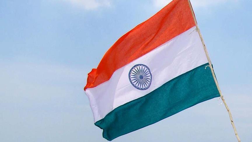 مقتل 8 ضباط شرطة بانفجار لغم في الهند