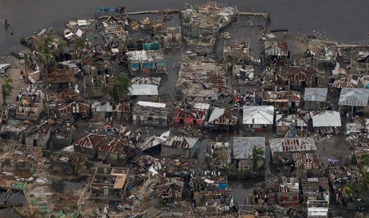"""ارتفاع قتلى إعصار """"ماثيو"""" إلى نحو 900 شخص"""