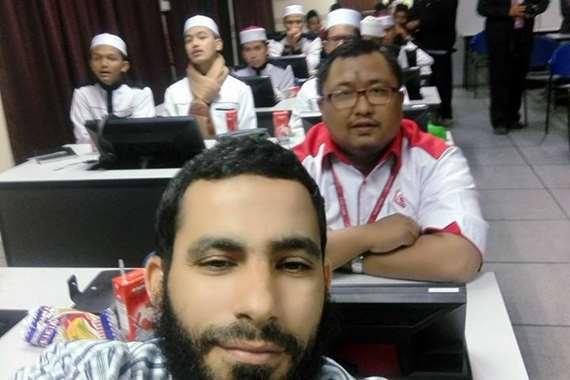أحد الشباب الإخوان المحتجز بماليزيا