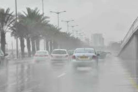 انقلاب 3 سيارات بسبب الطقس السئ  بسوهاج