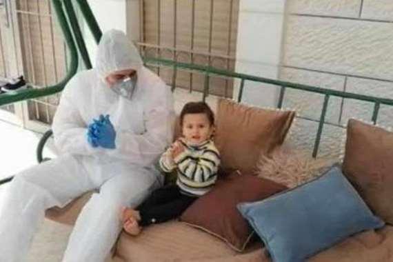 الطفلة ميلا أصغر عربية متعافية من كورونا