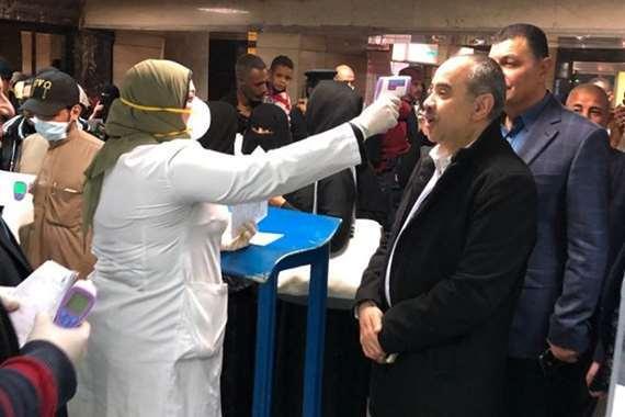 وزير الطيران يخضع لإجراءات الوقاية