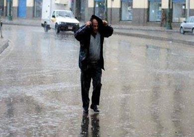 حالة الطقس تتسبب فى تصدعات بعقار بالإسكندرية