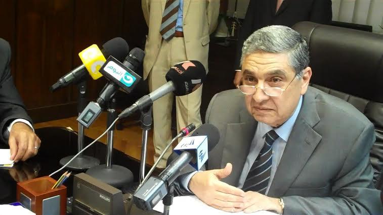 وزير الكهرباء يشهد افتتاح خطوط تصنيع لوازم مشروعات كهرباء