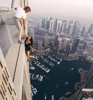 """شرطة دبي تستدعى الروسية صاحبة """"سيلفى"""" ناطحة السحاب"""