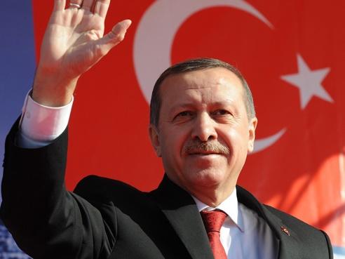 """جلسة أردوغان أمام مذيعة """"سي إن إن"""" تشعل الفيسبوك"""