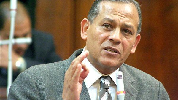السادات يطالب بالإطلاع على التقارير الواردة للمجلس