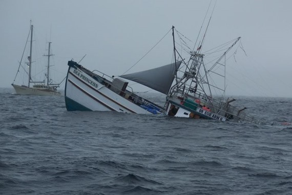 السلطات تغرق 81 قارب صيد بإندونيسيا