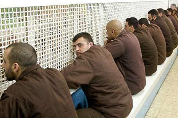 تحذيرمن استشهاد الأسرى داخل سجون اسرائيل