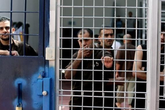 ارتفاع عدد المضربين عن الطعام في سجون الاحتلال
