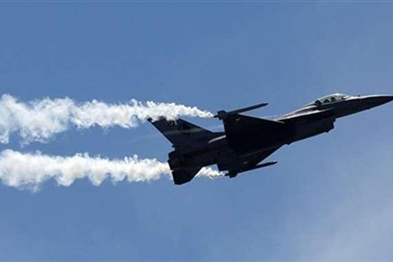 سقوط طائرة عسكرية (أرشيفية)