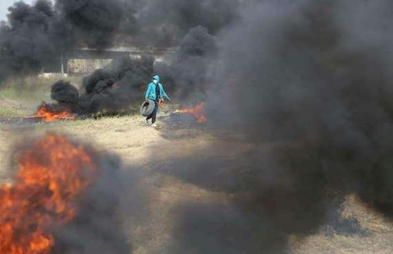 بالصور.. أبرز المشاهد من مسيرة العودة الكبري_ جمعة الكاوتشوك_ في فلسطين