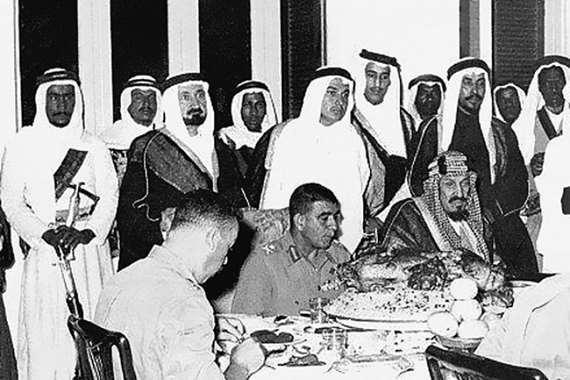 محمد نجيب والملك عبد العزيز