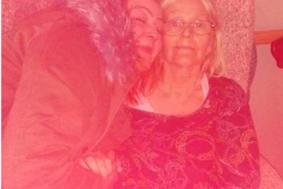 الأم وابنتها