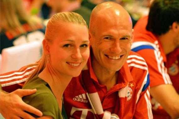 نجم بايرن ميونخ وزوجته