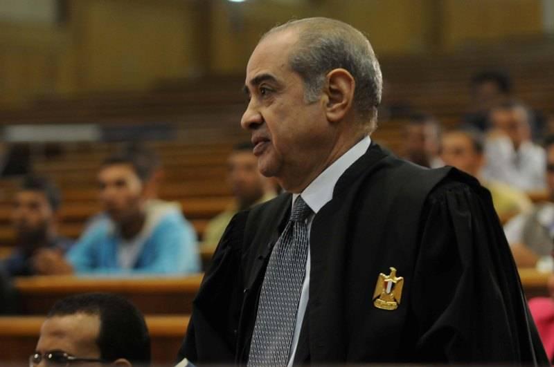 وصول فريد الديب لحضور محاكمة مبارك ونجليه بالقصور الرئاسية