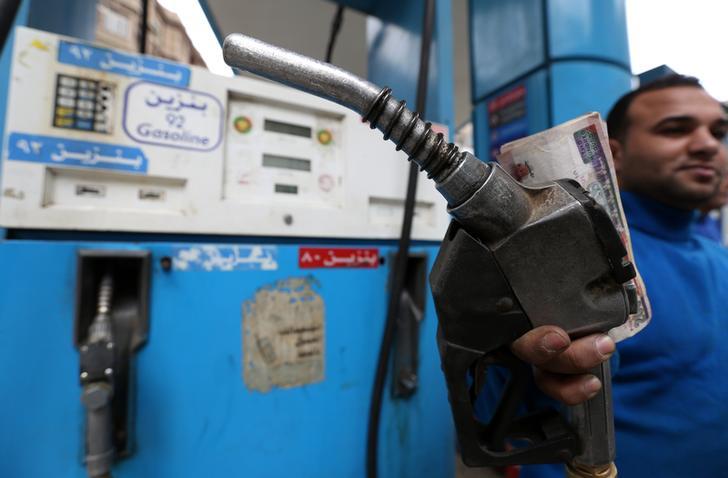 البترول: للمواطنين حق الحصول على البنزين دون قيد