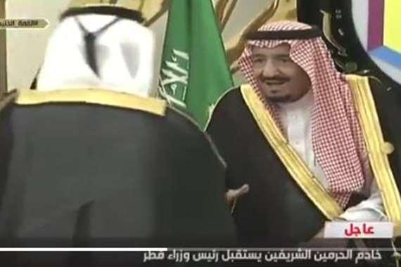 الملك سلمان ورئيس وزراء قطر
